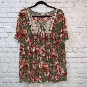 Siren Lily Green Floral with Lace Short Sleeve Top